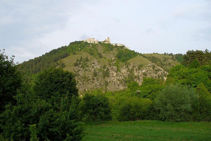 Čachtický hradný vrch (360 m)