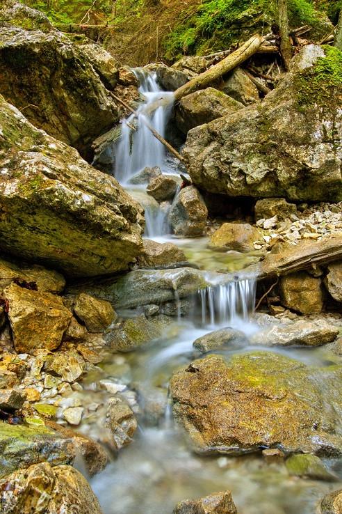 pod Závojovým vodopádom