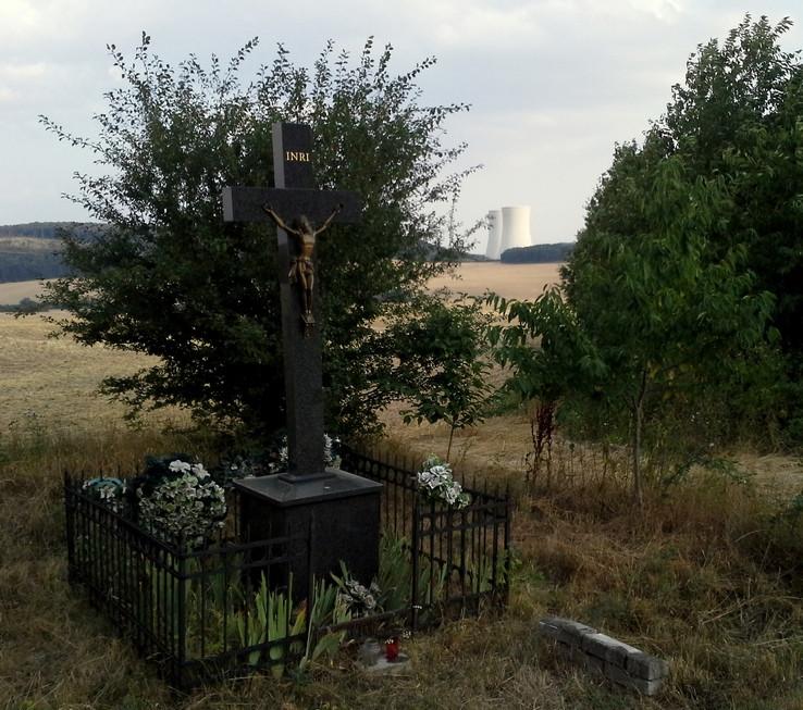 Kríž nad Mochovcami