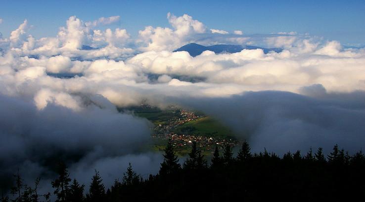 Okno z oblakov...