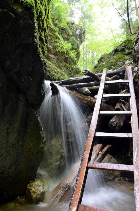Zbojnícky vodopád.