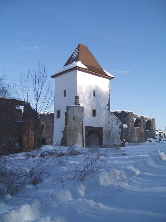 Brána Vígľašského zámku