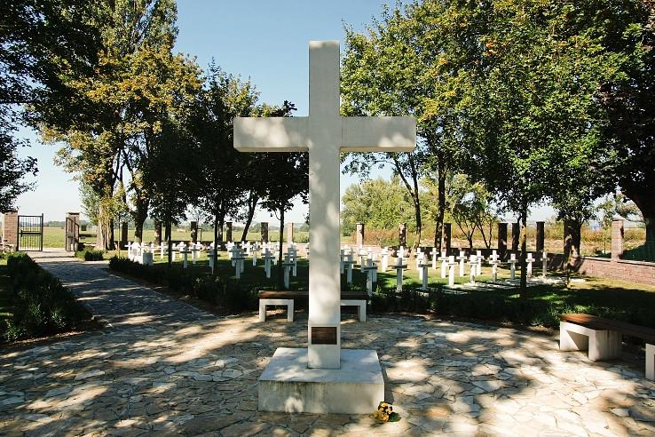 Vojnový cintorín z roku 1916