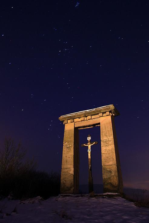Kríž, rám a hviezdy