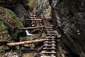 Chodník medzi vodopádmi