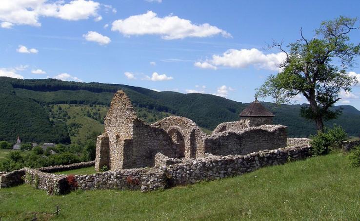 Zrúcaniny kostola