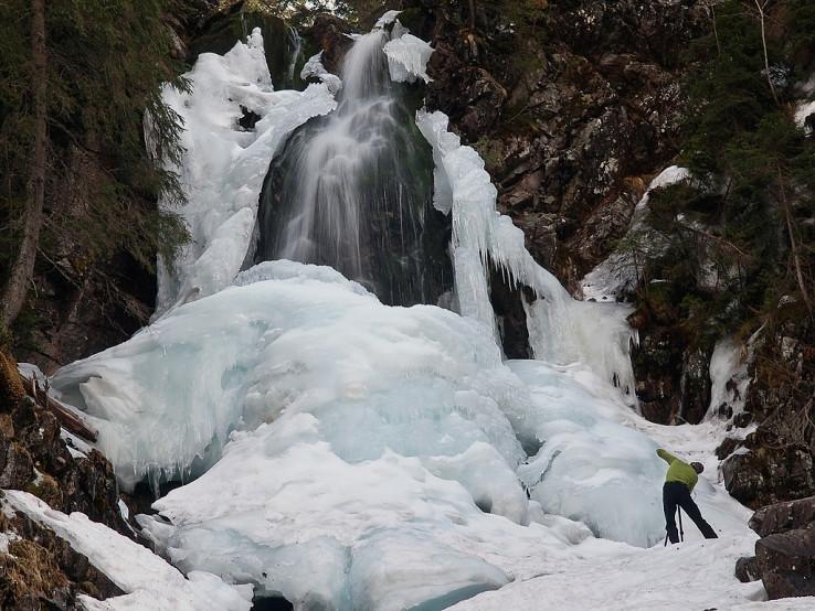Ľadový vodopád