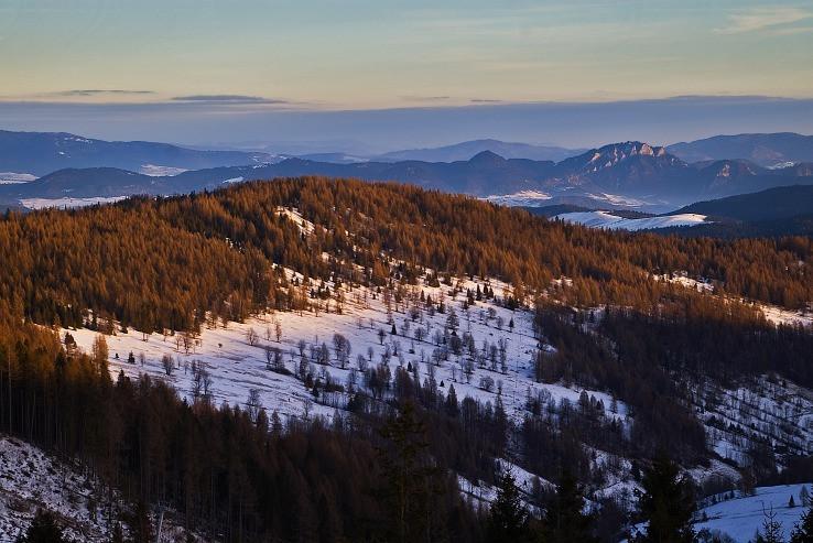 Plašný vrch a Pieniny s dominantou Trzy Korony
